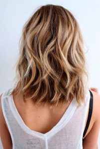 fryzura średnia